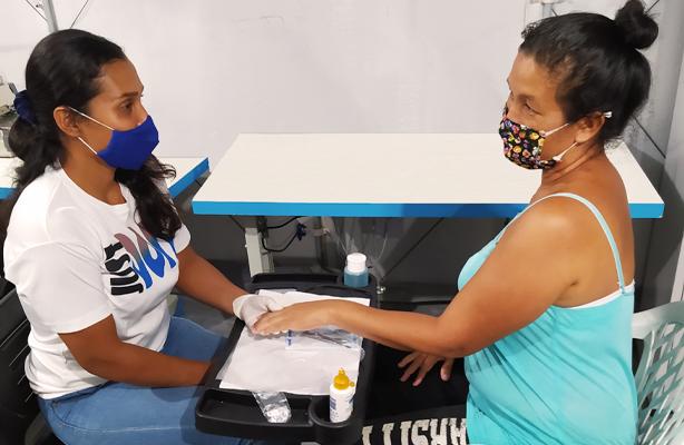 thumbnail de Migrantes venezuelanos contam com cursos profissionalizantes de vendas, manicure e operador de caixa, nos abrigos de Boa Vista