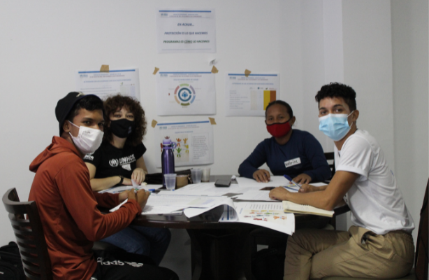thumbnail de Voluntários da rádio La Voz de los Refugiados participam de workshop com ACNUR