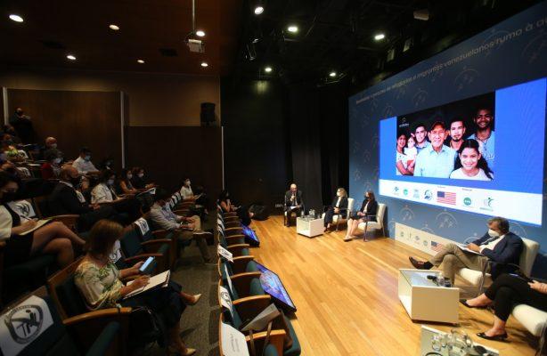 thumbnail de AVSI Brasil promove encontro para apresentar o percurso de migrantes venezuelanos, da fronteira à autonomia no Brasil