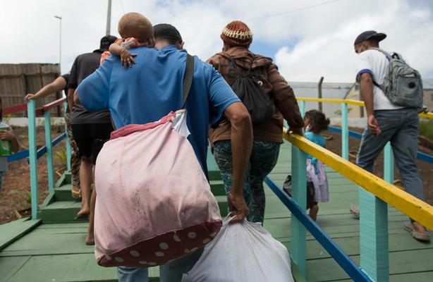 thumbnail de Seminário e exposição fotográfica destacam o percurso de refugiados e migrantes venezuelanos rumo à integração social no Brasil