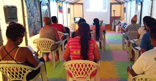 thumbnail de Dois novos cursos gratuitos serão ofertados nos abrigos de Boa Vista para impulsionar interiorização de migrantes e refugiados pelo trabalho